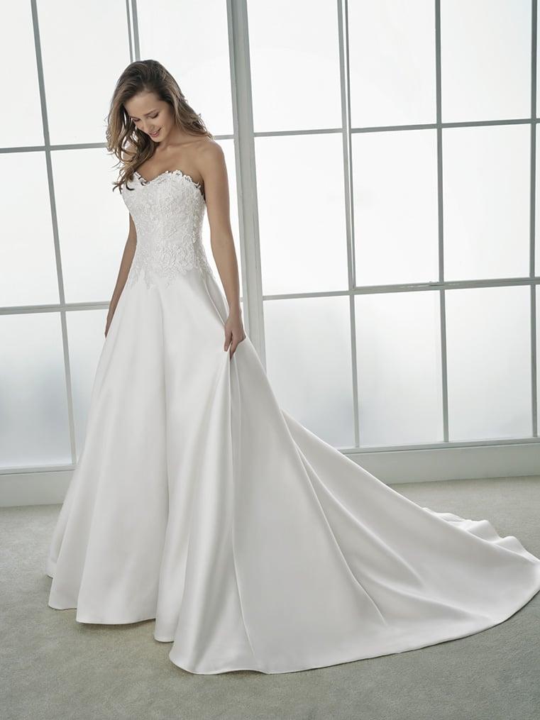 robe de mari e white one flaviana collection 2018