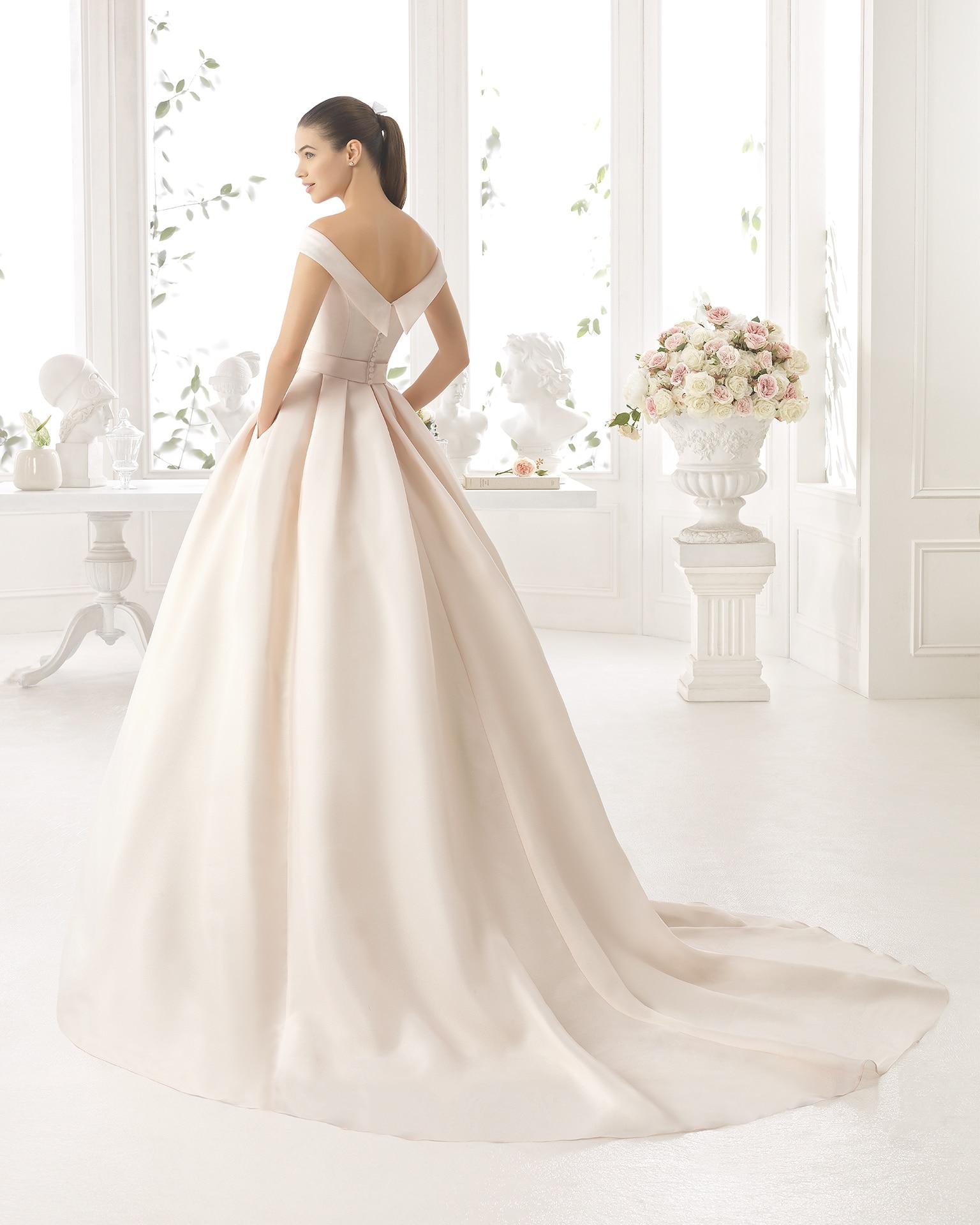 Wedding Gown Aire Barcelona Boutique Paris