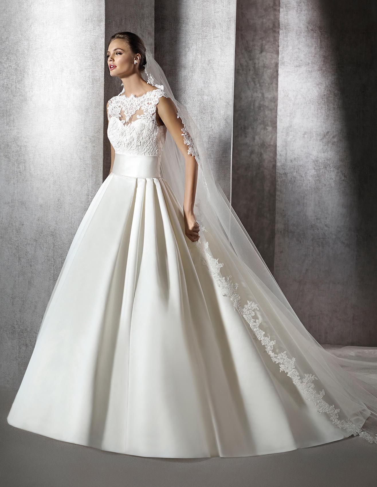 Wedding dress Zerelda St Patrick. Boutique Paris