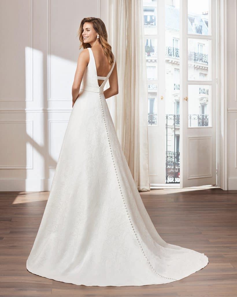 cf8572301bd Robe de mariée VITORIA lunanovias collection 2019  Boutique Paris