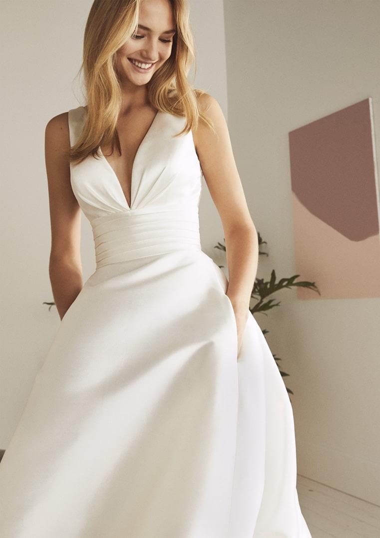 Robe de Mariée ODINA White one Collection