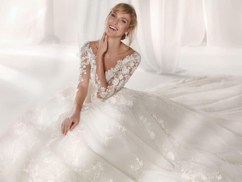 robe de mariée princesse en dentelle de la Marque NICOLE